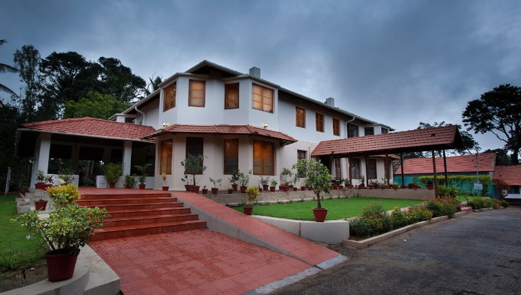 Best Bungalow in Coorg at Taneerhulla Bungalow